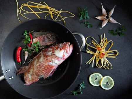 Cabracho, un pescado blanco de temporada al que sacar del clásico pastel: qué es y cómo cocinarlo