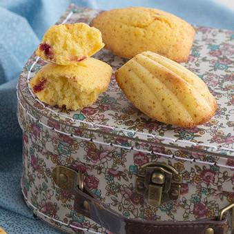 Madeleines de limón y frambuesa, receta para acompañar el té