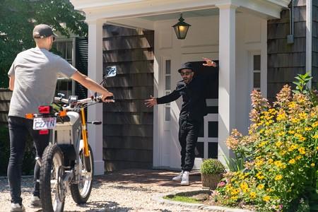 Esta moto eléctrica sueca de 14 CV y 86 km de autonomía ya se puede comprar por 14.000 euros