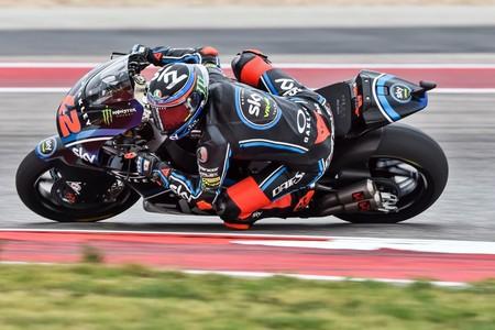 Pecco Bagnaia lleva al límite a Álex Márquez para hacerse con el triunfo y el liderato de Moto2 en Austin