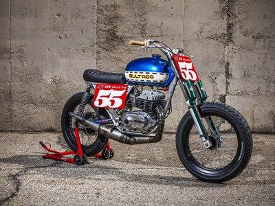 Esta pequeña es Astro, la Lobito Mk7 de XTR Pepo que homenajea el legado de Bultaco en el Dirt Track