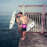 Obras de Andy Warhol y Jean-Michel Basquiat se van a la playa en la nueva colección de Billabong