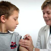 Canadá se convierte en el primer país que autoriza la vacuna contra la COVID-19 en menores de edad