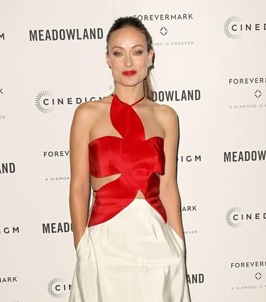 El vestido más original del otoño lo lleva Olivia Wilde y es de Rosie Assoulin