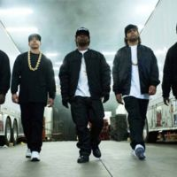 Taquilla USA   'Straight Outta Compton' sigue en la cima y Zac Efron no tiene amigos