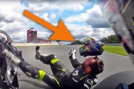 Este aterrador vídeo en YouTube nos recuerda la enorme importancia de elegir el casco apropiado para la moto