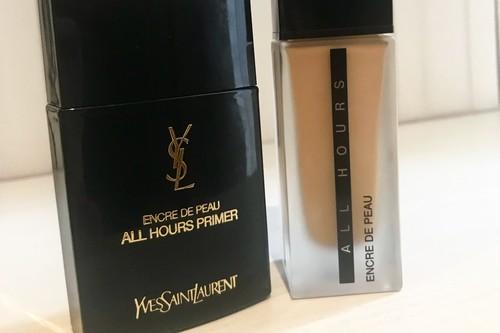 Probamos la nueva base de maquillaje All Hours de YSL y  su primer, ideal para las largas jornadas (también las navideñas)