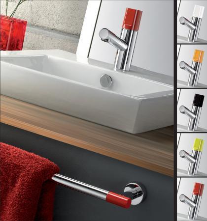 Grifería y accesorios de baño a juego
