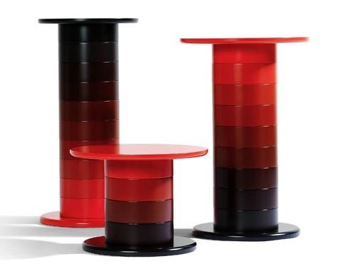 Foto de Babel, mesas columna de muchos colores (1/4)