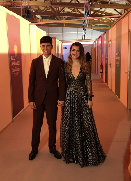 Amaia Con Vestido De Teresa Helbig En Eurovision 2018 Final En Lisboa
