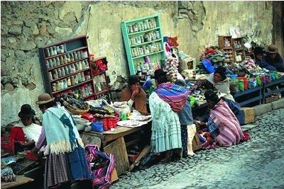 Tradición y color en el Mercado de Tarabuco