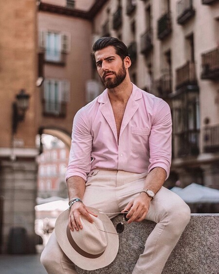 Éstas camisas en tonos pastel de la rebajas de Zara te harán dominar el street style y el home office a la vez