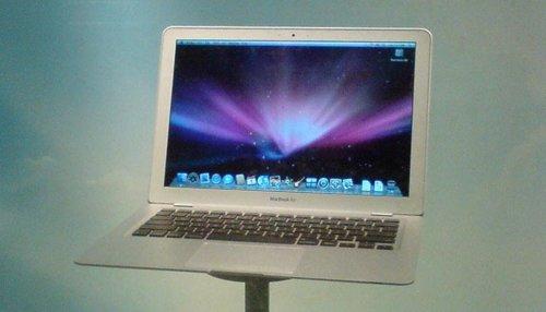 ElMacBookAirde11,6pulgadasyelnuevoiPadpodríanestaryalistos