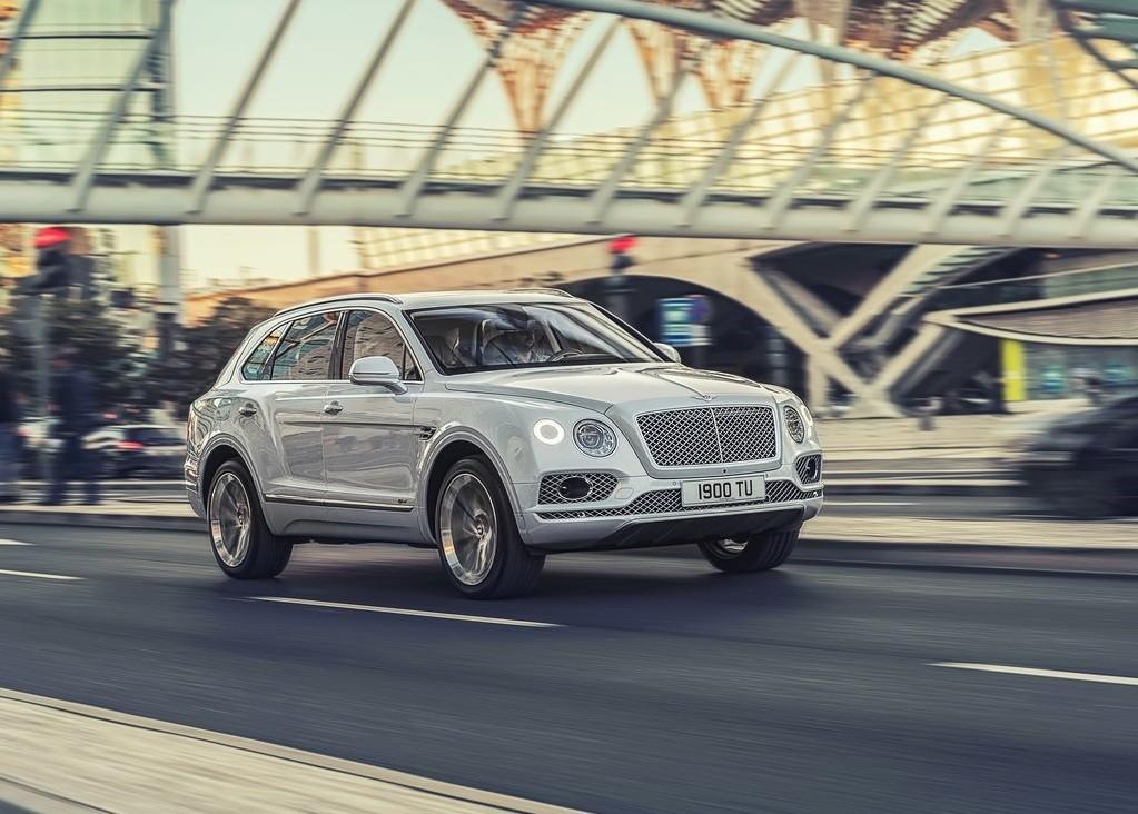 Foto de Bentley Bentayga Hybrid (13/23)