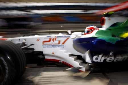 Barrichello luce orgulloso el '257' en su Honda