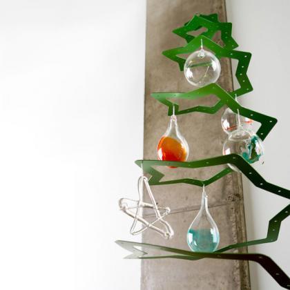 Un árbol de navidad con forma de estrella