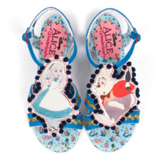 Foto 5 de 88 de la galería zapatos-alicia-en-el-pais-de-las-maravillas en Trendencias