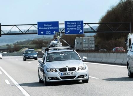 ¿Quién debería liderar el mercado de los coches autónomos? (1) Las automovilísticas
