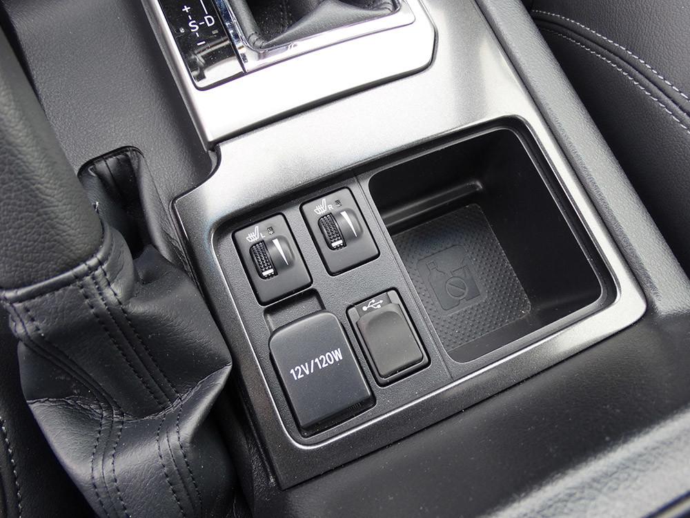 Foto de Probamos el Toyota Land Cruiser 180D, todas las imágenes del motor, maletero y otros detalles (18/32)
