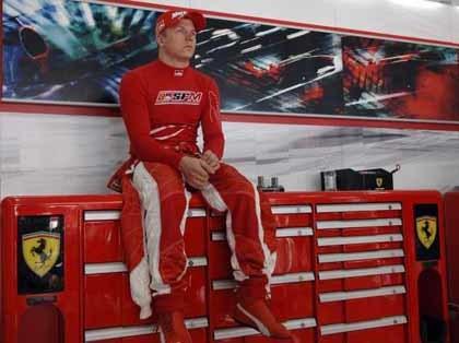 Hakkinen le aconsejó a Kimi no fichar por Ferrari