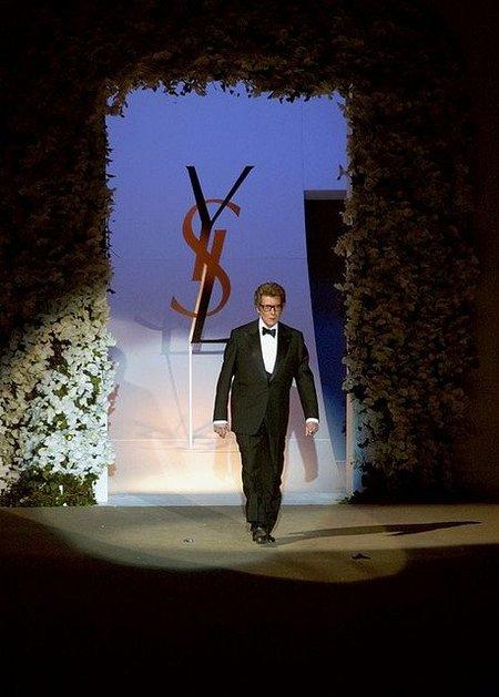 'La ambición de la Alta Costura', retrospectiva al maestro Yves Saint Laurent