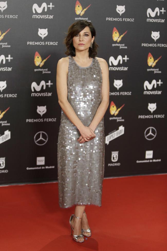 premios feroz alfombra roja look estilismo outfit Marian Alvarez