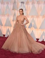 Jennifer Lopez, si no se pasa, no va a gusto