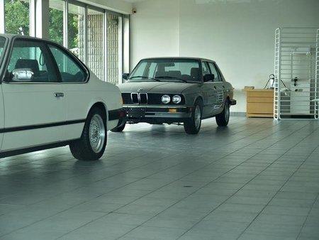 ¿Quieres saber cómo era un concesionario BMW en 1988?