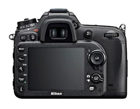 Nikon D7100 trasera