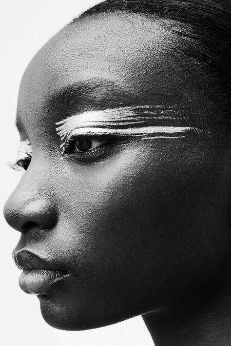 Si buscas lucir una mirada rompedora, Zara nos da las claves en su nueva colección