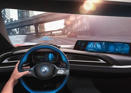 BMW se propone lanzar un modelo completamente autónomo a las carreteras en 2021