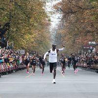 Adiós a las Nike Alphafly y a los prototipos de zapatillas en las competiciones de atletismo: World Athletics las veta de la competición