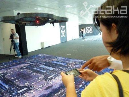 El helicóptero AR Drone de Parrot se presentó ayer en Madrid.
