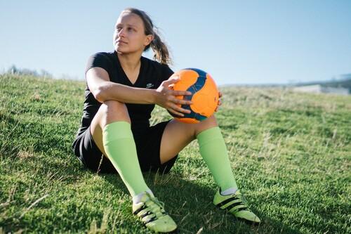 Chollos en tallas sueltas de camisetas, sudaderas o pantalones deportivos de marcas como Nike, Adidas o Puma a la venta en Deporte-outlet