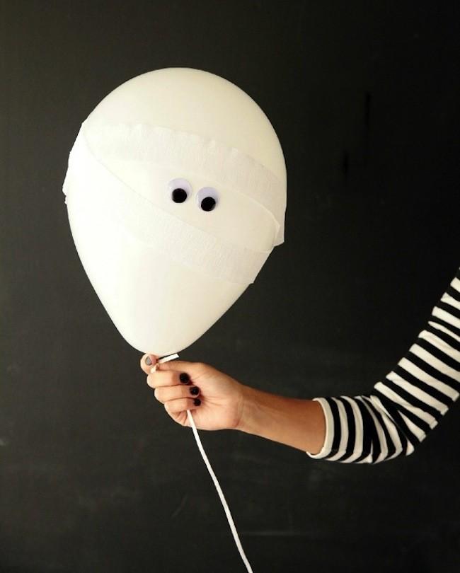Mummy Balloons 1