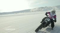Harley-Davidson Street 750 y 500 sobre el hielo