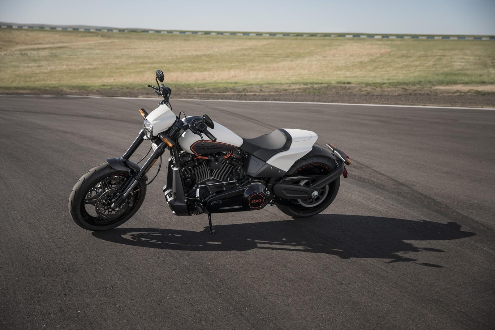 Foto de Harley-Davidson FXDR 114 2019 (8/9)