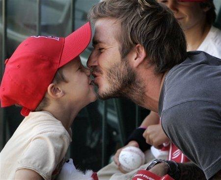 Menudo padrazo que está hecho David Beckham cuando quiere