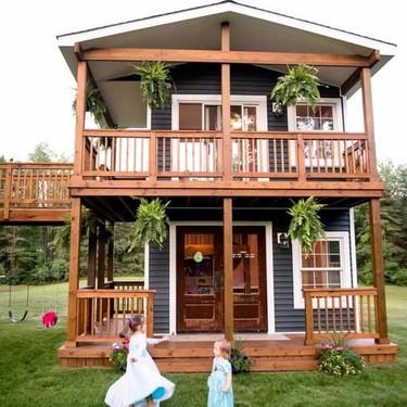 """Este padre hizo realidad el sueño de cualquier niño de tener su propia """"casita"""" de madera"""