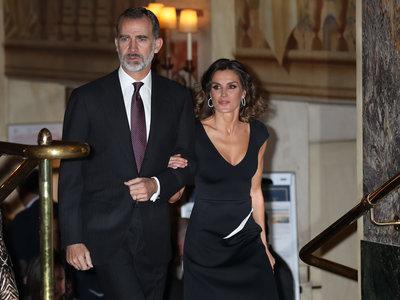 Doña Letizia apuesta por su look más sensual