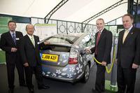 Toyota inicia una prueba larga de híbridos enchufables en Reino Unido