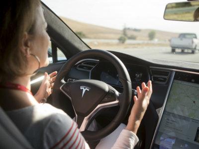 Coches y cajas negras: Tesla y sus logs chivatos facilitarán la investigación de accidentes