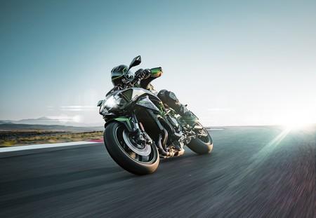 La Kawasaki Z H2 llega a España desde 18.450 euros: una hipernaked a la estela de Ducati y KTM