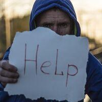 En España, se suicida una persona cada dos horas y media: hay diez veces más suicidios que homicidios
