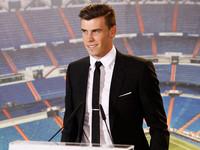 Gareth Bale llega al Real Madrid y da toda una lección de estilo en su presentación