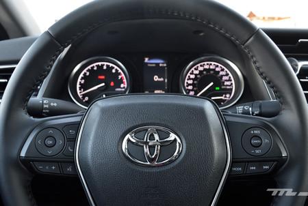 Toyota Camry 2018 16