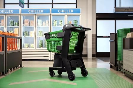 """Amazon tiene carrito de la compra en el que colocas los productos y te los llevas """"sin pagar"""": un Amazon Go sobre ruedas"""