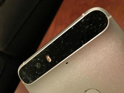 Más malas noticias para el Nexus 6P: varios usuarios reportan roturas del cristal trasero