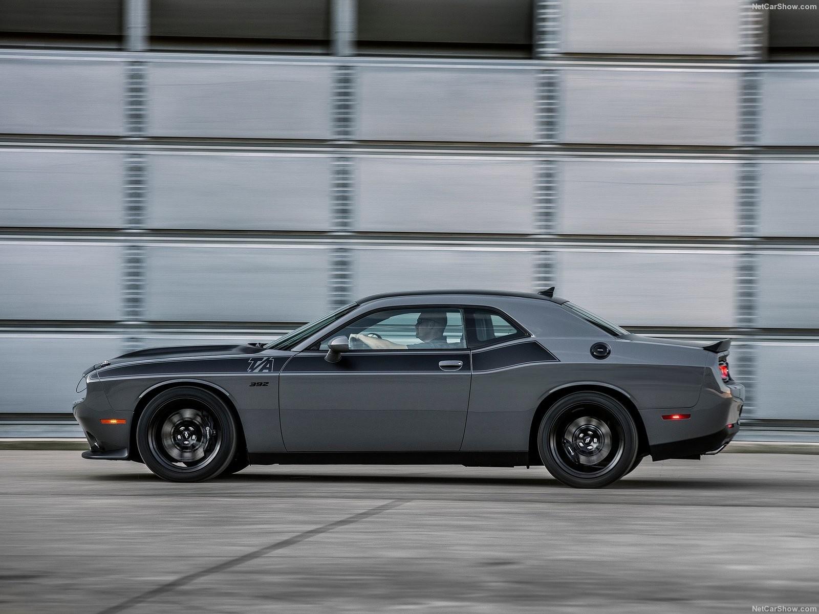 Foto de Dodge Challenger T/A 392 (5/13)