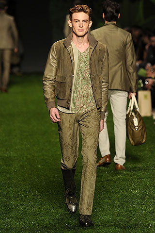 Foto de Etro, Primavera-Verano 2011 en la Semana de la Moda de Milán (7/10)